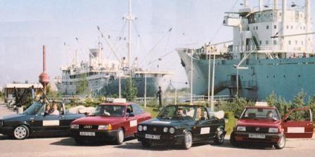 Die ersten Fahrzeuge der Fahrschule Wunderlich. Damals war die Ausbildung und Prüfung mit einem Cabriolet möglich.